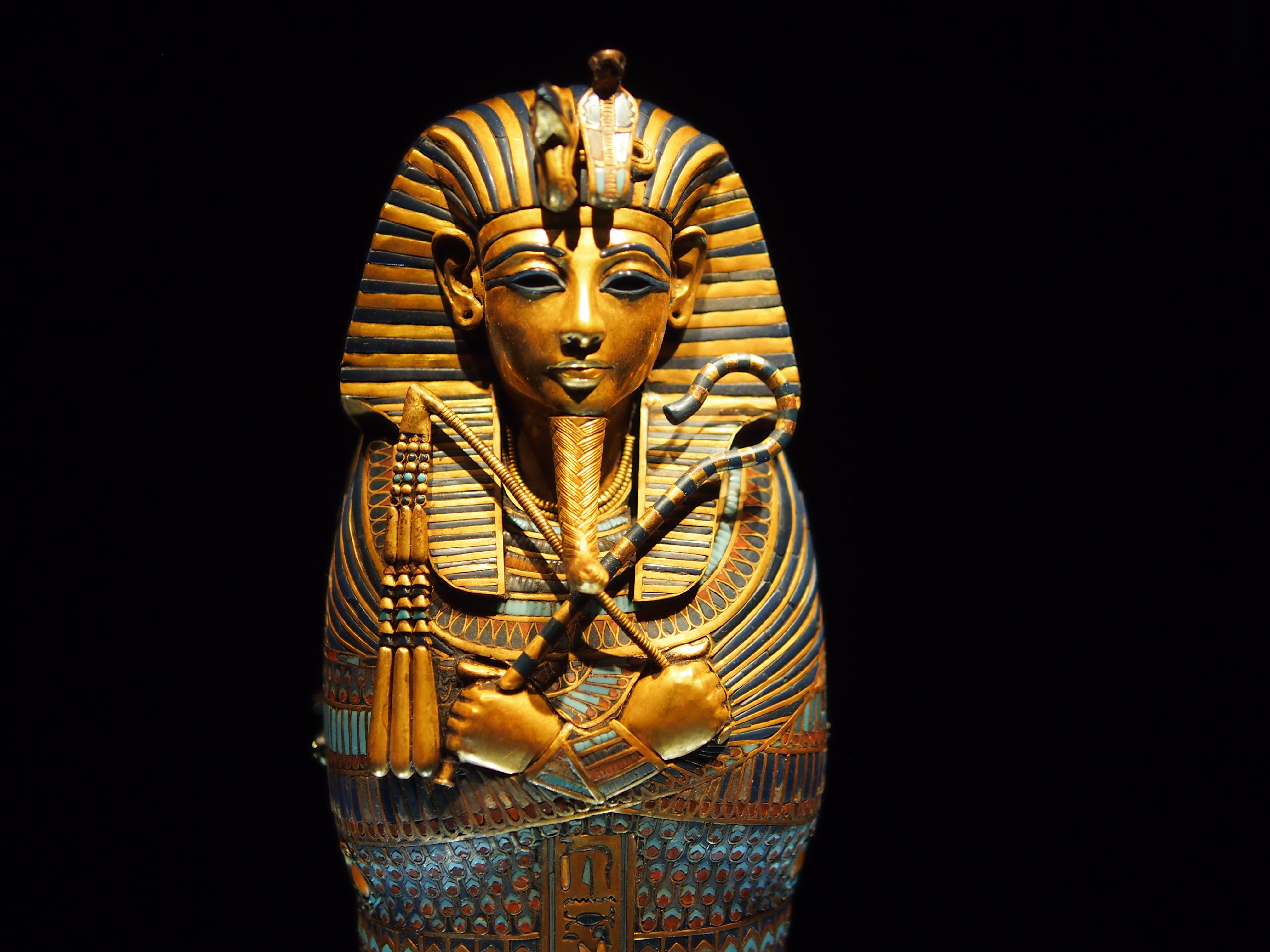 king tutankhamun Kids learn about ancient egyptian secret of king tut's tomb how it was found, the curse, and the treasure inside the tomb of pharaoh tutankamun.
