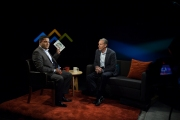 I interview Starbucks CEO Howard Schultz. Photo: Conrado Tapado